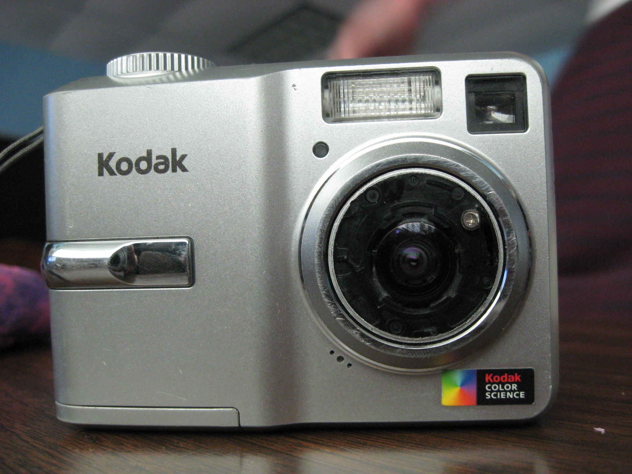 kodak digital camera industry Companies often see the disruptive forces affecting their industry kodak created a digital camera, invested in the technology, and even understood that photos would be shared online harvard business review.