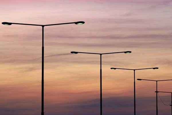 Lincolnshire council u-turns on 10pm street lights black out