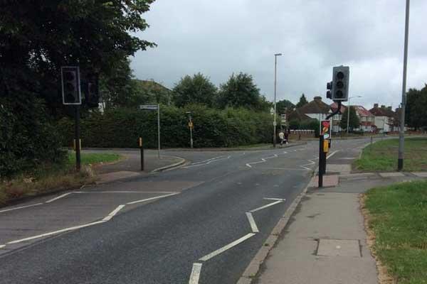 Broken down traffic lights at dangerous crossing in Uxbridge spark fears over pedestrian safety