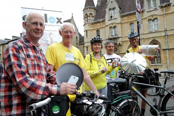 Cyclists don yellow jerseys for 'Tour de Potholes' in Oxford