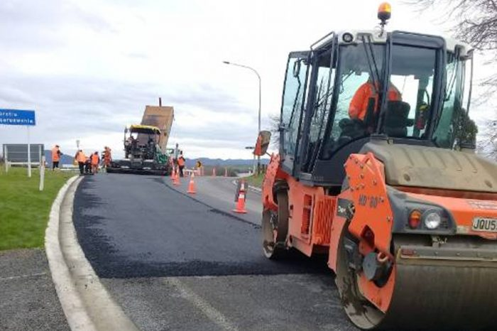 Beer bottle asphalt being trialed in New Zealand