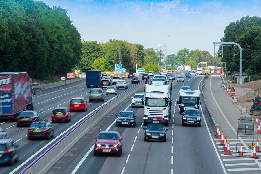 Highways England signs deal with 11 contractors